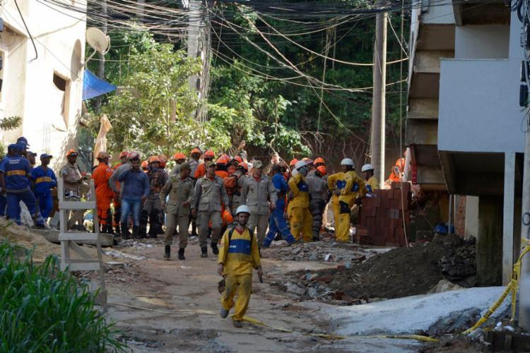 Área ficará interditada enquanto os trabalhos de busca estiverem ocorrendo - Foto: Tânia Rêgo | Agência Brasil