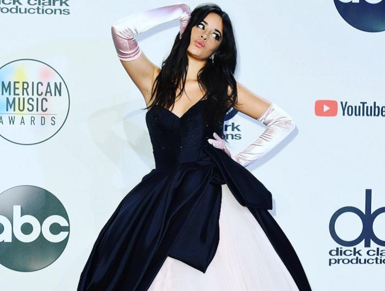A cantora estreia como atriz na nova versão do filme da 'Cinderela'. - Foto: Reprodução | Instagram