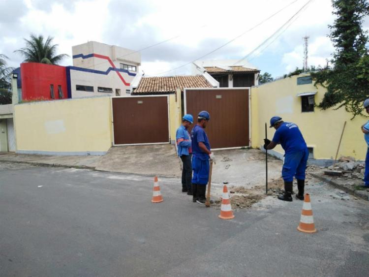 Estabelecimento possuía ligação clandestina que desviava água do vizinho - Foto: Divulgação   Embasa