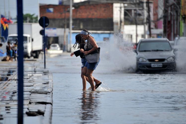 Alagamentos foram as situações mais registradas pela Codesal nesta quinta-feira, 11 - Foto: Felipe Iruatã   Ag. A TARDE