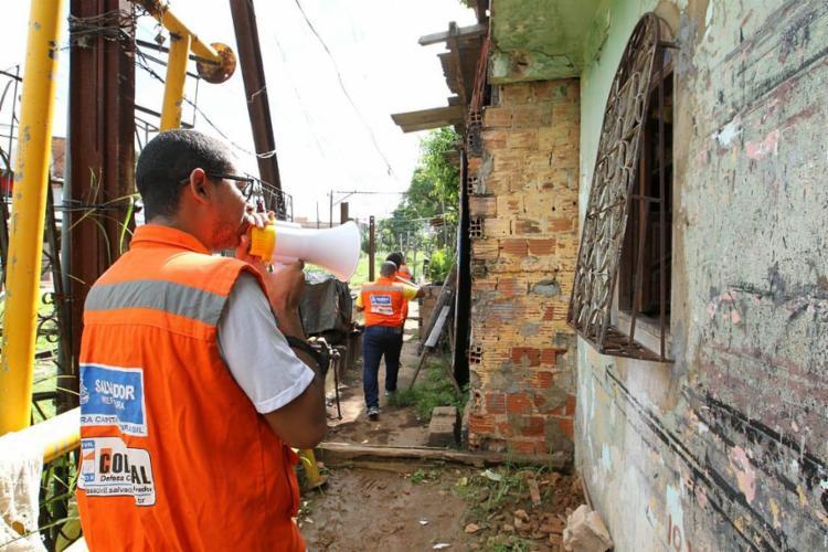 Comunidades estão localizadas em áreas de risco, passíveis de deslizamentos de terra ou desabamentos - Foto: Divulgação l Secom-PMS
