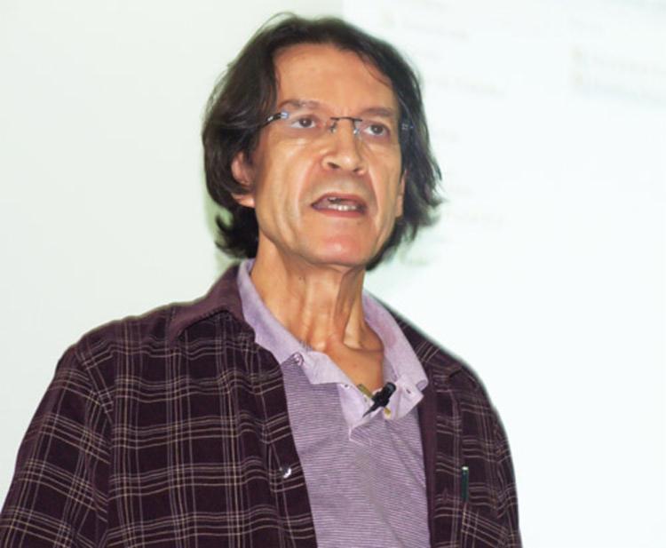 Professor da Universidade Federal Fluminense (UFF), Celso Costa, lança livro nesta sexta - Foto: Reprodução