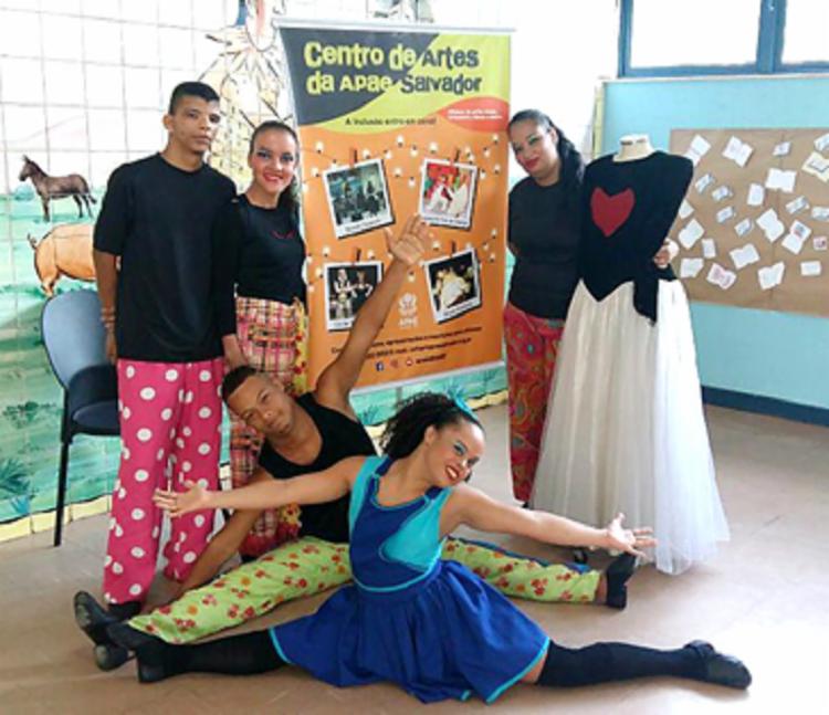 O espetáculo é estrelado por jovens da companhia de dança Opaxorô - Foto: Divulgação