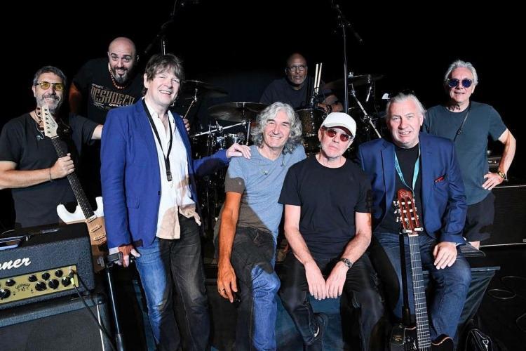 Ex- membros da banda original e músicos se reúnem para apresentar a turnê neste sábado, 6, na Concha Acústica, em Salvador. - Foto: Reprodução   Instagram