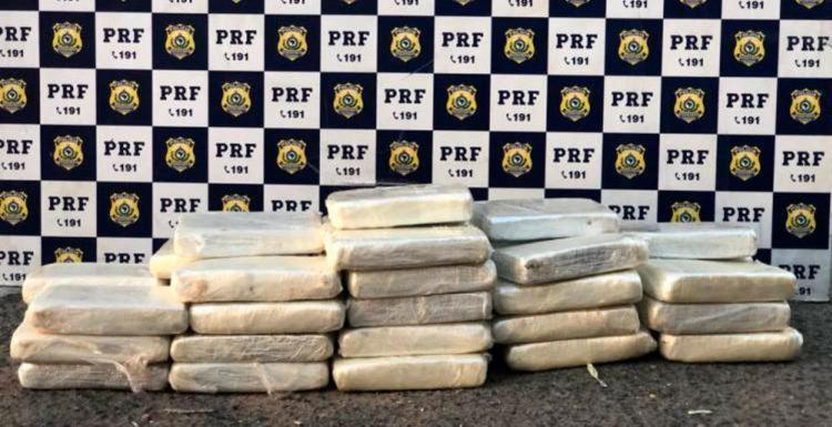 Material foi apreendido durante fiscalização da PRF - Foto: Divulgação   Polícia Rodoviária Federal
