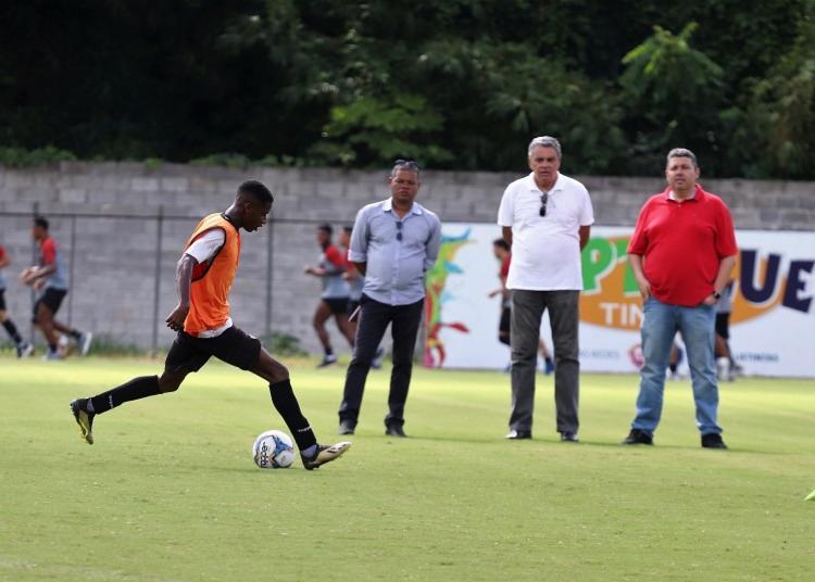 Atividade contou com a presença do presidente Paulo Carneiro - Foto: Maurícia da Matta   EC Vitória