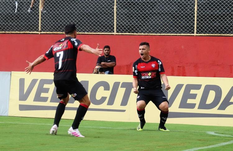 A equipe comandada por Cláudio Tencati enfrentará o Fortaleza nas quartas de final - Foto: Maurícia da Matta | EC Vitória