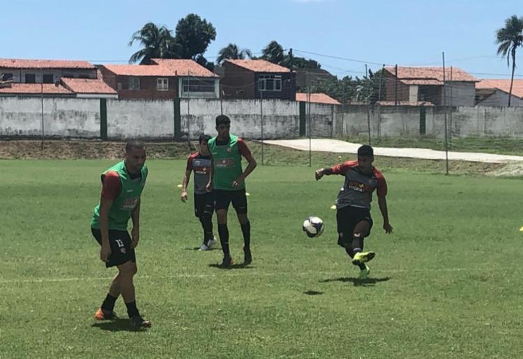 Elenco do Rubro-Negro treinou no CT do Floresta Esporte Clube, na capital cearense - Foto: Divulgação   EC Vitória