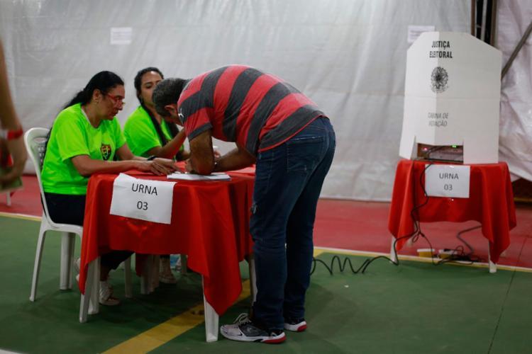 Ao todo, 2.750 sócios estão aptos para votar no primeiro turno - Foto: Raul Spinassé l Ag. A TARDE | 13.12.2017