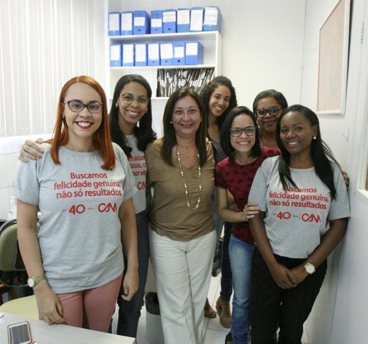 Suzana (centro) busca engajar os colaboradores do Grupo CAM - Foto: Luciano da Matta   Ag. A TARDE