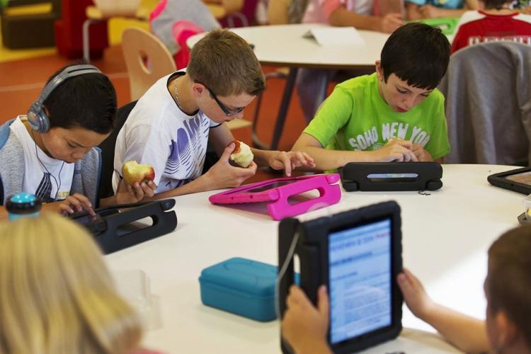 O evento aborda a relação entre educação e tecnologia em instituições de ensino - Foto: Divulgação