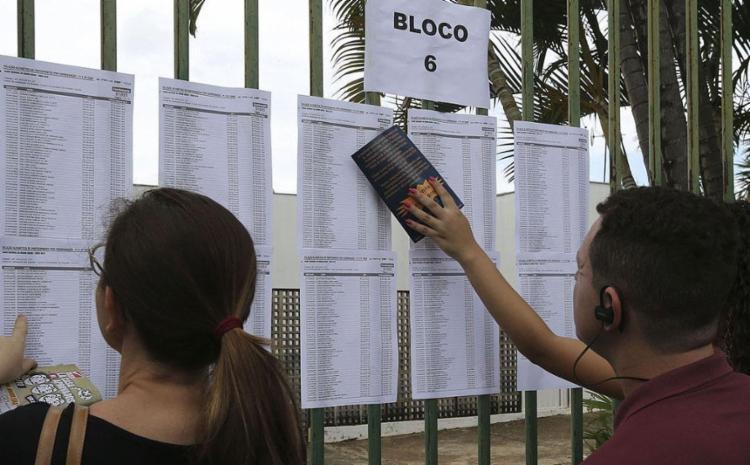 O prazo para pedir a isenção da taxa começou no último dia 1º e segue até esta quarta-feira, 10 - Foto: Valter Campanato l Agência Brasil