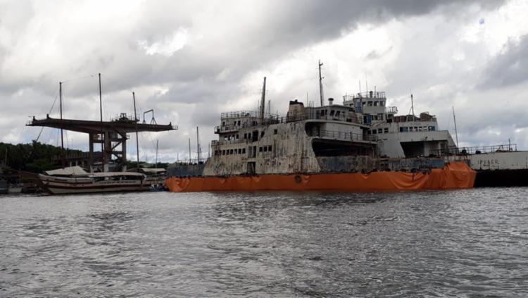 Ferries serão desmanchados pela empresa SS Comércio de Metais - Foto: Luan Borges | Ag. A TARDE
