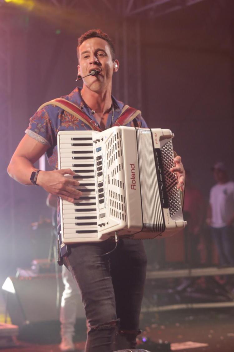 Durante seu show Tico se emocionou e não escondeu a alegria - Foto: Dvulgação