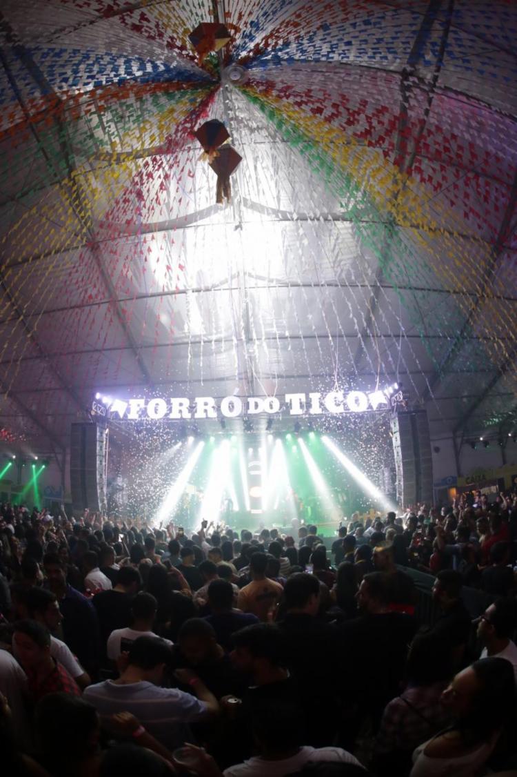 Evento contou também com shows de Saia Rodada, Jonas Esticado e participações de Peruanno e Adelmário Coelho