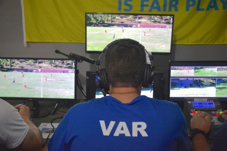 A entidade privilegiou a escalação de árbitros experientes para comandar a nova tecnologia no futebol para a maioria dos jogos da primeira rodada da competição - Foto: João Moretzsohn | CBF