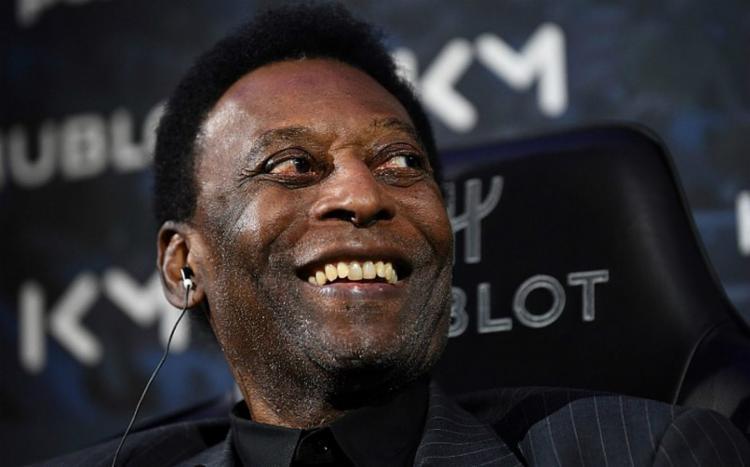 O rei Pelé se queixou de uma febre durante um evento comercial - Foto: Franck Fife | AFP