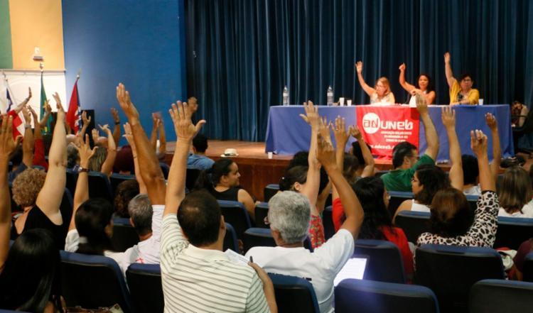 Docentes defendem a manutenção da paralisação até que as negociações sejam realizadas e a pauta de reivindicações atendida - Foto: Divulgação | ADUNEB