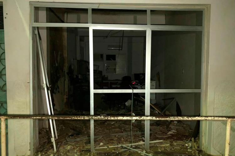 Agência ficou completamente destruída após explosões - Foto: Reprodução | Bahia10