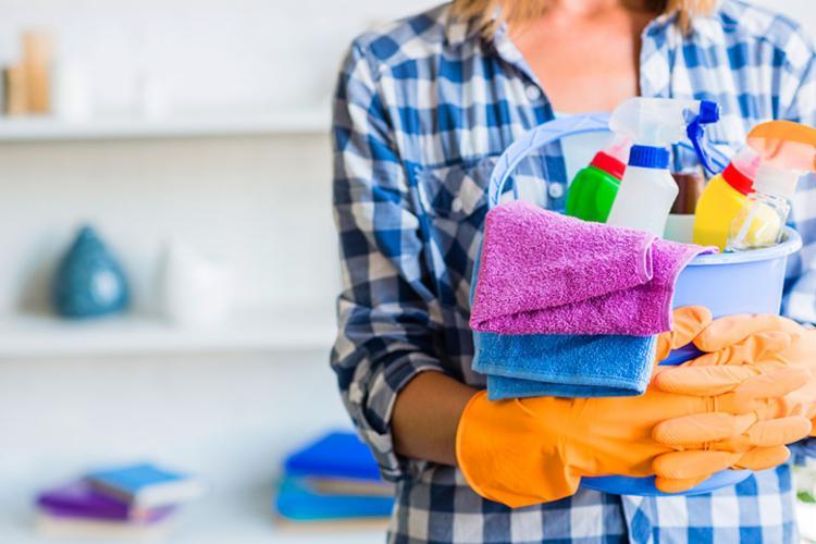 Mulheres trabalham o dobro dos homens nas atividades domésticas - Foto: Reprodução | Freepik