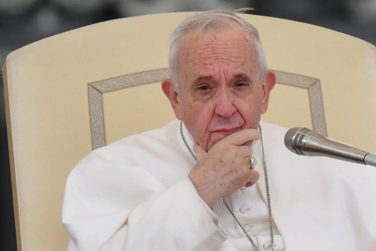 Papa enfatizou que Igreja tem de admitir seu histórico de dominação masculina - Foto: Alberto Pizzoli | AFP