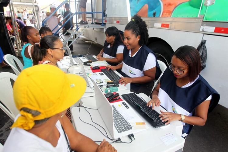 Serviços gratuitos para emissão de documentação estão sendo oferecidos na 8ª edição da Feira Cidadã - Foto: Divulgação | Elói Corrêa | GOV-BA