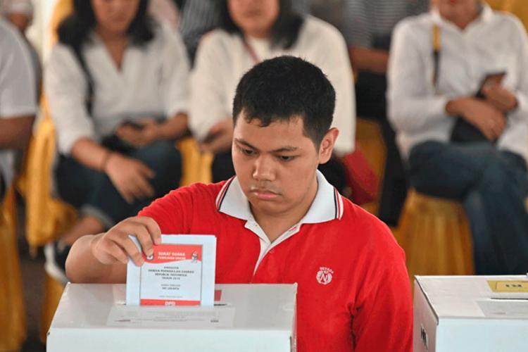 Cerca de 80% dos 193 milhões de eleitores votaram no país - Foto: Bay Ismoyo   AFP