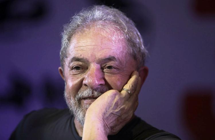 A defesa de Lula pediu ao STJ que seja anulada a condenação do petista no caso do triplex do Guarujá - Foto: Miguel Schincariol | AFP