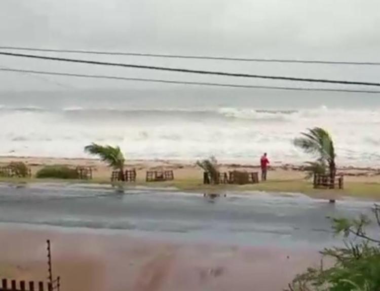 Ciclone Kenneth atingiu o Continente Africano com rajadas de 270 km por hora - Foto: Reprodução | TV AFP