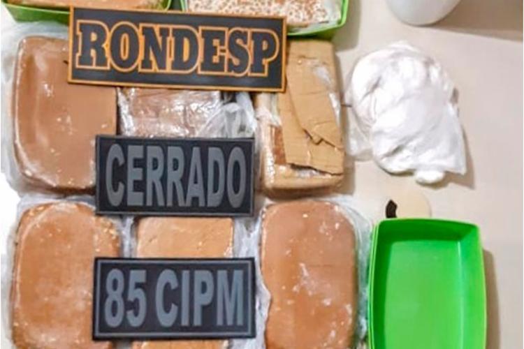 Material foi encontrado em 'laboratório' de entorpecentes - Foto: Divulgação | PMBA