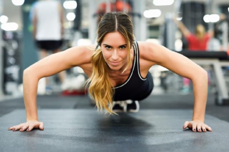 A prática de atividade física, alimentação e mudança de hábitos controlam muitas doenças - Foto: Ilustração | Freepik