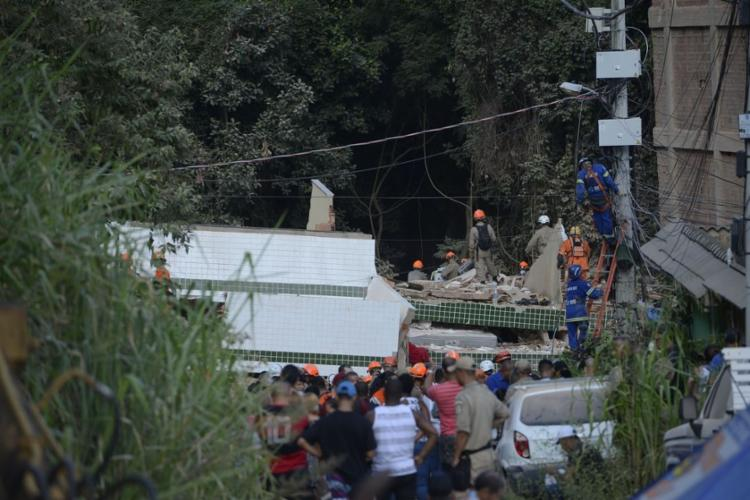 Desabamento dos dois edifícios já deixou 20 mortos confirmados - Foto: Fernando Frazão | Agência Brasil