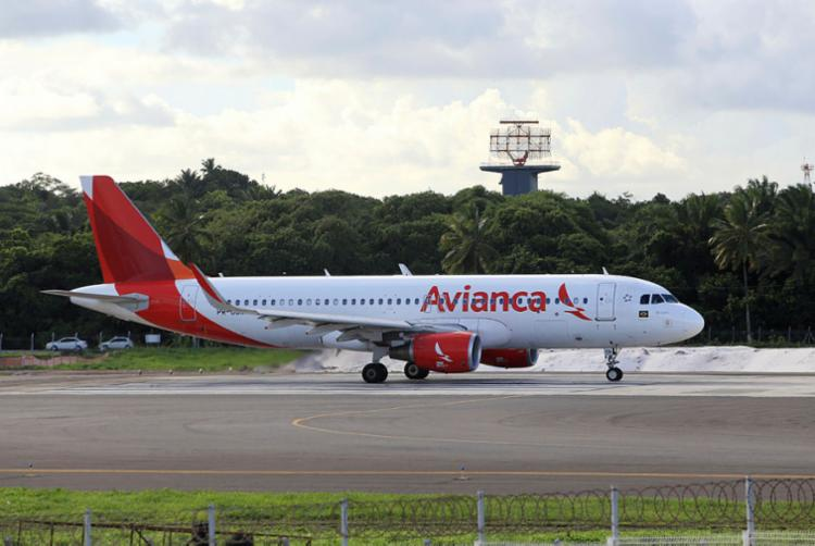 Comunicados com status de voos da Avianca serão feitos com antecedência - Foto: Adilton Venegeroles | Ag. A TARDE
