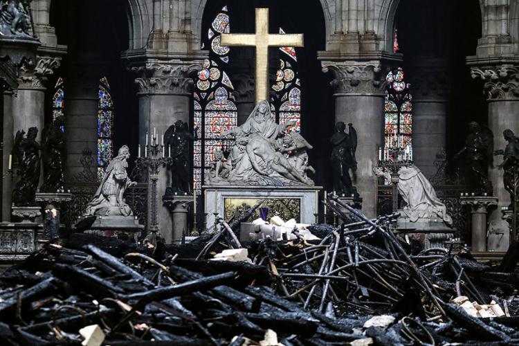 Onda de solidariedade em menos de 24 horas permitirá cobrir o orçamento da restauração - Foto: Ludovic Marin | AFP
