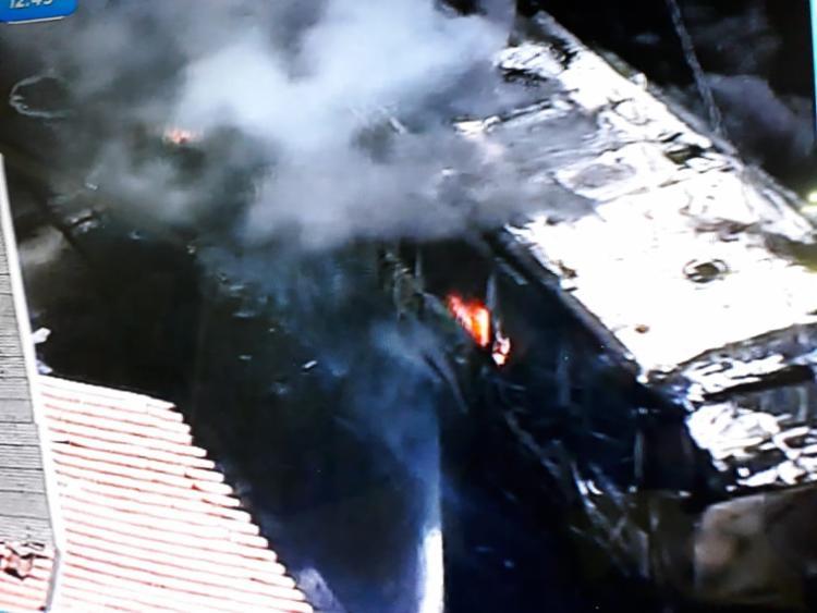 Incêndio aconteceu por volta das 12h12 - Foto: Reprodução   Tv Record Bahia