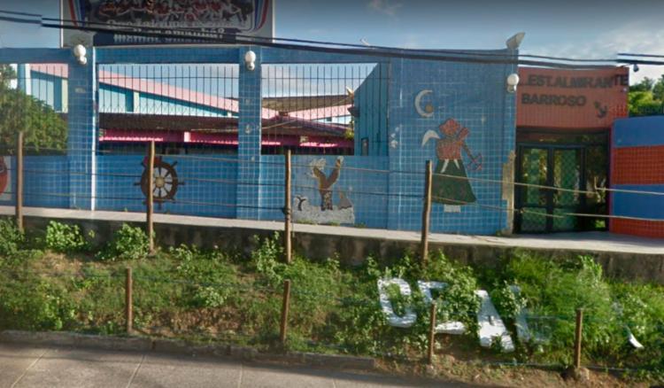 Abandono ocorreu em frente ao Colégio Almirante Barroso, no bairro de Paripe - Foto: Reprodução | Google Maps
