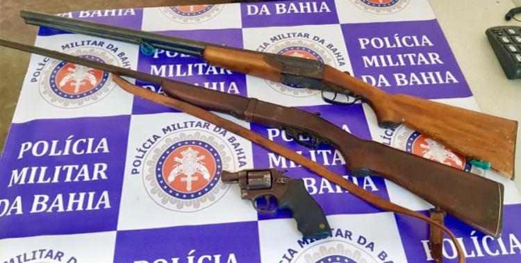 Armas foram encontradas dentro de uma casa em Abaré   Foto: Divulgação   SSP-BA