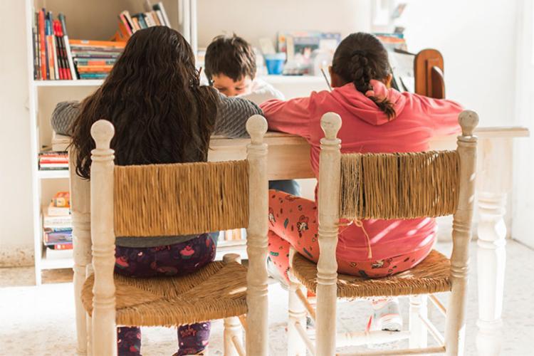 Pelo menos 7,5 mil famílias utilizam esse formato de ensino no país - Foto: Freepik | Divulgação