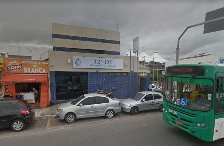 A ocorrência foi apresentada na 12ª Delegacia Territorial de Itapuã - Foto: Reprodução | Google Street View