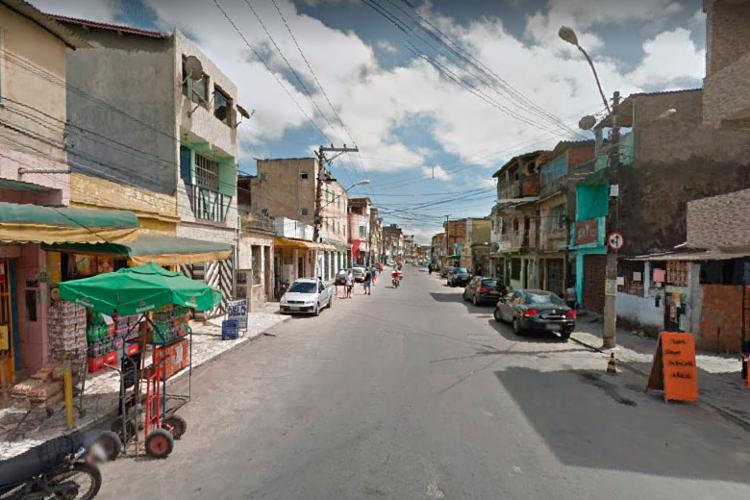 Policial foi sequestrado dentro de carro em Massaranduba - Foto: Reprodução   Google Street View