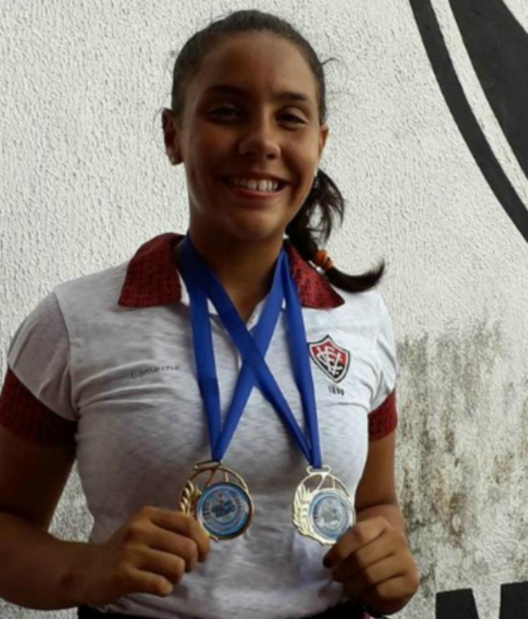 Com apenas 14 anos, Isadora é uma das promessas juvenis do remo baiano - Foto: Divulgação | Ascom Sudesb