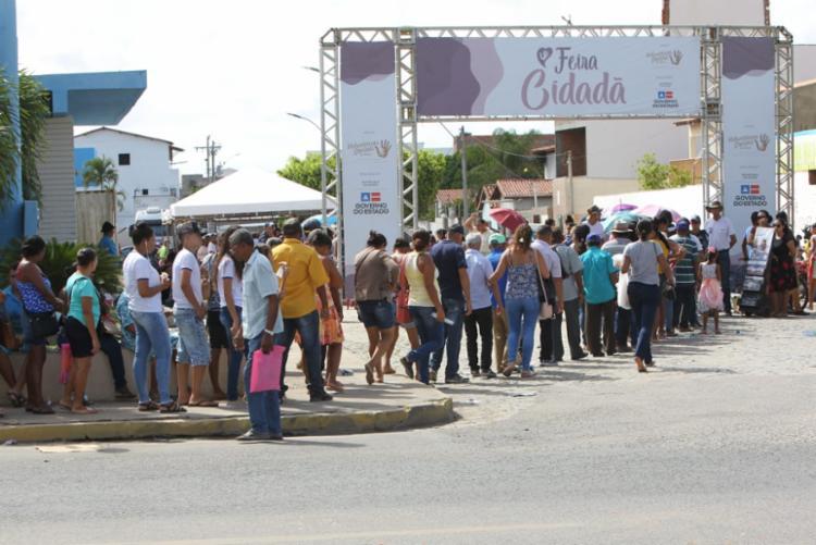 A ação teve início na cidade nesta quinta-feira (25) e prossegue até segunda (29) oferecendo mais de 15 serviços de saúde e cidadania à população - Foto: Elói Corrêa/GOVBA