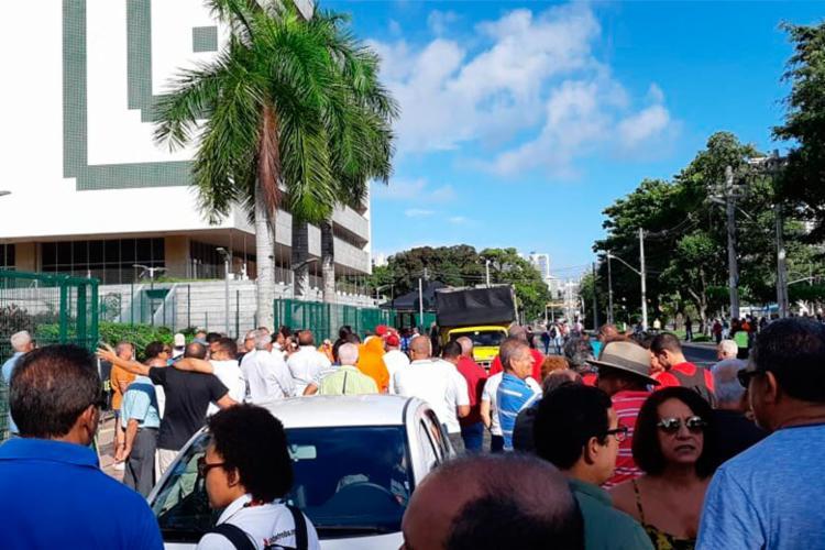 Grupo manifesta contra privatização da estatal - Foto: Divulgação | Sindpetro