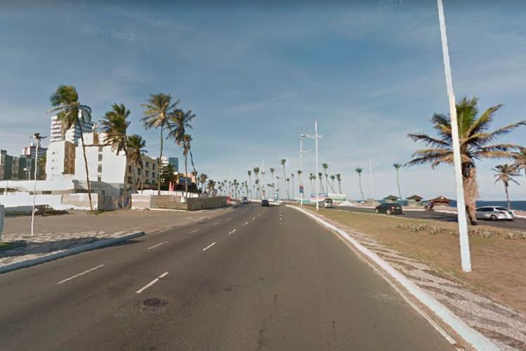 Fluxo de veículos será alterado sentido Itapuã, no trecho em frente ao Restaurante Cubanakan - Foto: Reprodução | Google Street View