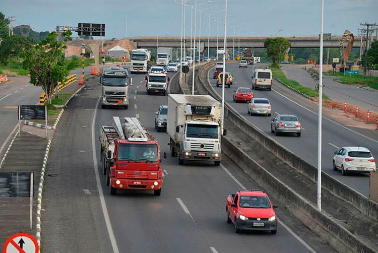 Na BR-324, trânsito é tranquilo nos dois sentidos - Foto: Shirley Stolze   Ag   A TARDE
