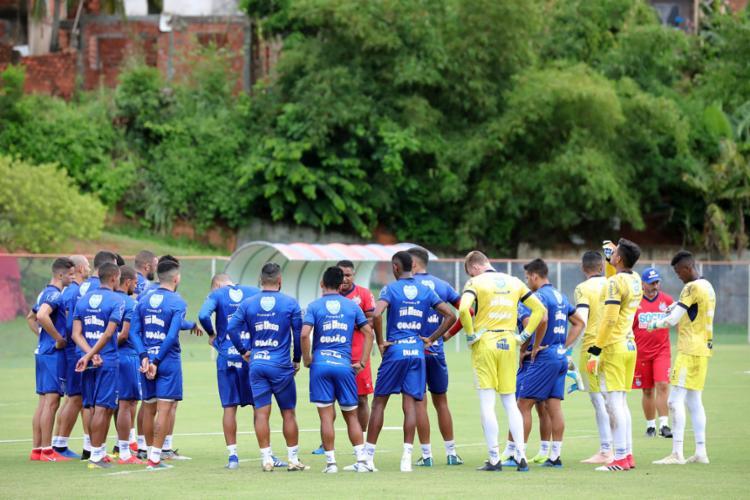 O técnico Roger Machado comandou atividade com bola no Fazendão - Foto: Felipe Oliveira l EC Bahia