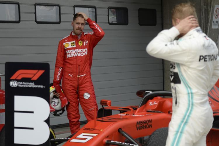 No Mundial de Construtores, a Mercedes tem 130, contra apenas 73 da equipe italiana, atual vice-líder desta disputa do campeonato - Foto: Wang Zhao l AFP