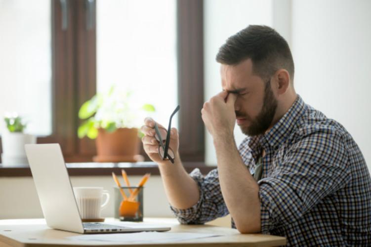 Os sintomas da deonça podem ser facilmente confundidos com os da conjuntivite. Não dê margem para o vacilo - Yanalya \ Freepik \ Divulgação