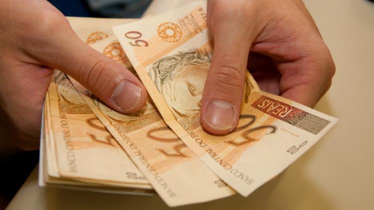 O governo propôs salário mínimo de R$ 1.040 para 2020 - USP Imagens/Reprodução