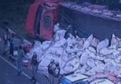 Caminhão tomba e deixa um ferido na BR 324 | Reprodução | TV Record